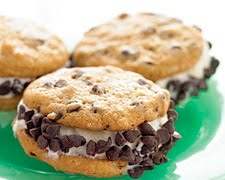 chocolate chip ice cream wich